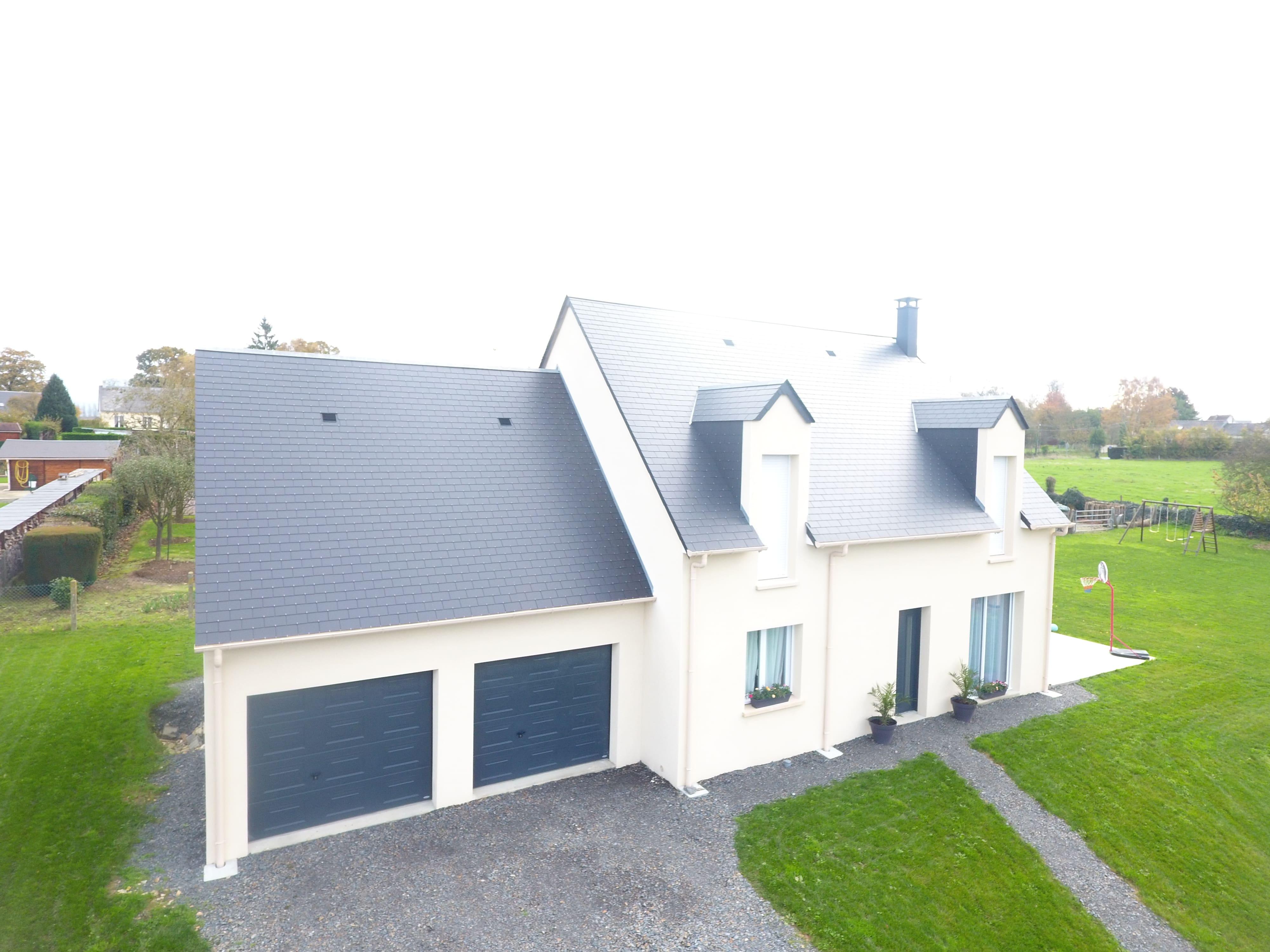 Constructeur maisons individuelles Bayeux-Magnifique FAMILY 101m² lucarnes double garage